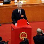 Gobierno de China busca nuevo asesor para mejoramiento de la economía