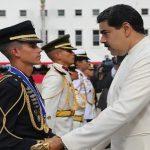 Venezuela: Maduro promueve a 16.900 soldados por 'Lealtad'