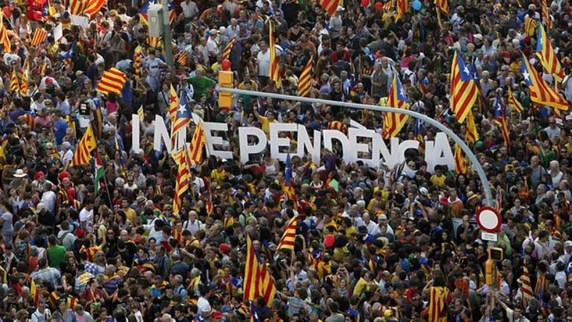 Miles marchan en las calles de Barcelona