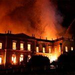 Museo Nacional de Brasil golpeado por un gran incendio