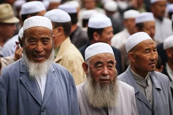 China: legaliza campos de internamiento musulmanes