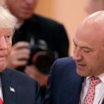 Asesor económico de Trump lo critica abiertamente