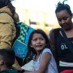 Una niña muere bajo custodia después de cruzar la frontera México-Estados Unidos