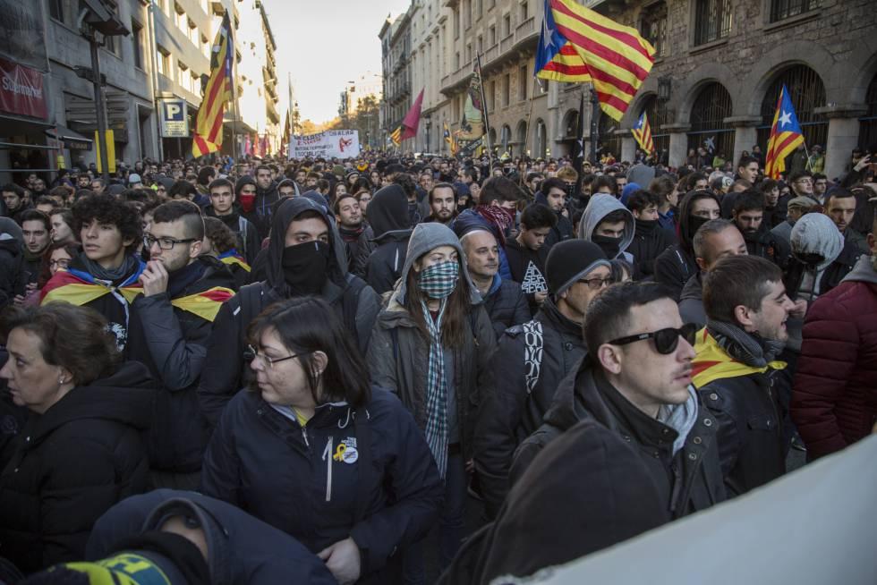 Protestas catalanas ante la reunión del gabinete de España en Barcelona