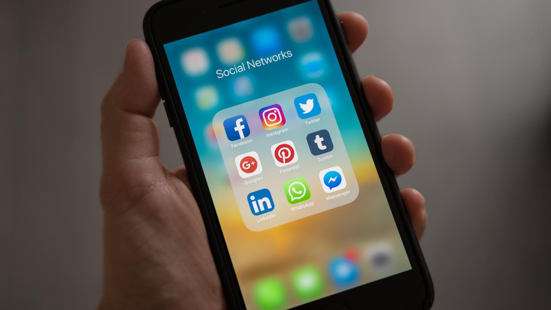 Surge en las redes sociales comprando seguidores