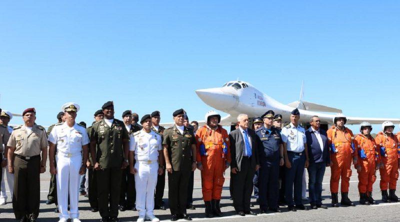 Estados Unidos y Rusia discuten sobre bombarderos que aterrizaron en Venezuela