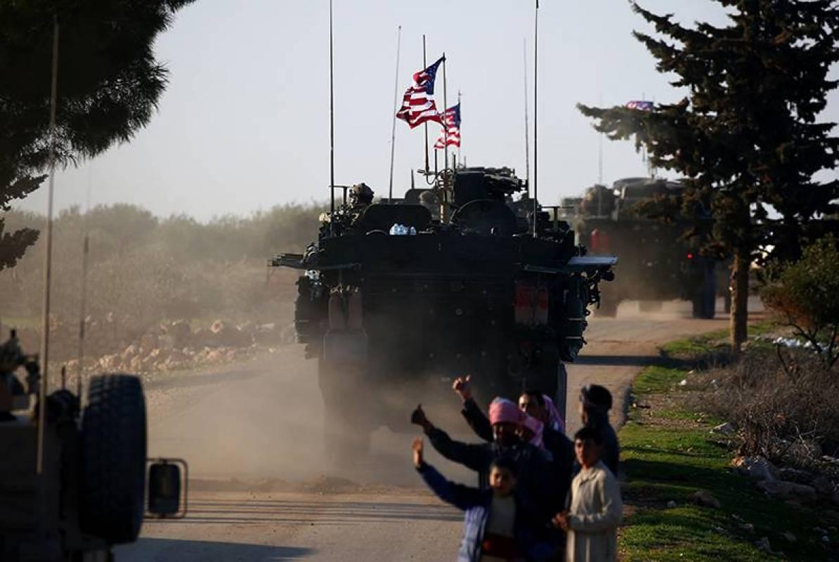 Los kurdos de Siria dicen que la retirada de las tropas de Estados Unidos favorece al IS
