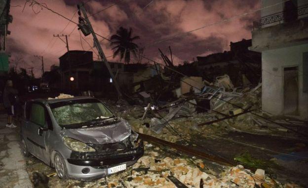 La capital de Cuba golpeada por un raro tornado