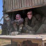 IS: Camiones evacuan a civiles del último enclave de Siria
